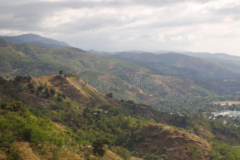 Opinião Timor Oriental do terreno do montanhês imagens de stock
