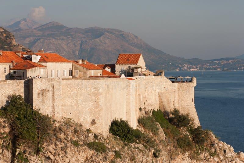 Opinião velha da cidade de Dubrovnik do St Lawrence Fortress fotografia de stock