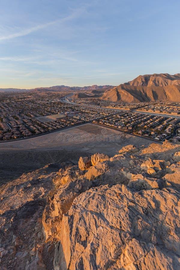 Opinião vertical do amanhecer do alojamento de Las Vegas da montanha solitária fotografia de stock royalty free