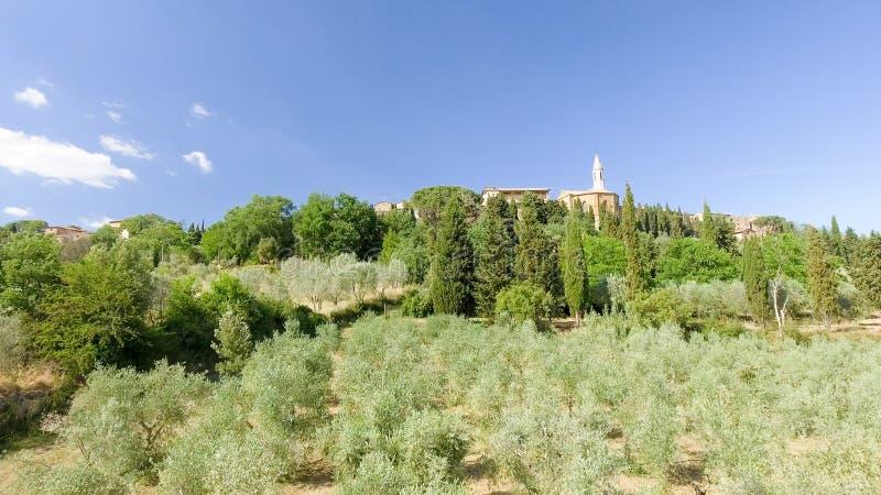 Opinión aérea de Beautiul de Pienza, ciudad medieval de Toscana en el hil fotografía de archivo libre de regalías