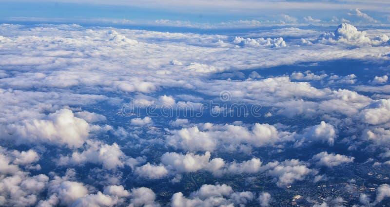 Opinión aérea de Cloudscape sobre los estados de cercano oeste en vuelo sobre Colorado, Kansas, Missouri, Illinois, Indiana, Ohio imagenes de archivo