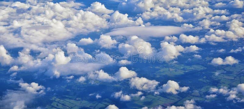 Opinión aérea de Cloudscape sobre los estados de cercano oeste en vuelo sobre Colorado, Kansas, Missouri, Illinois, Indiana, Ohio fotografía de archivo libre de regalías