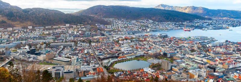 Opinión aérea de la ciudad de Bergen Panorama amplio imágenes de archivo libres de regalías