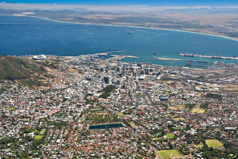 Opinión aérea de la ciudad de Ciudad del Cabo foto de archivo
