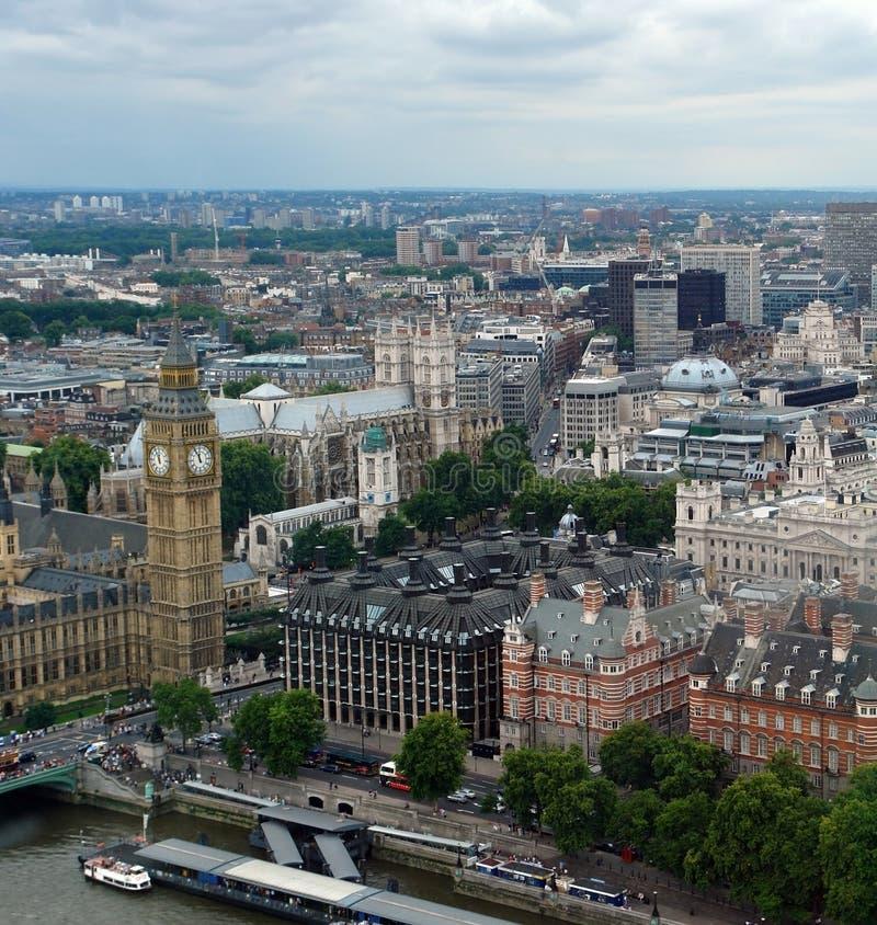 Opinión aérea de la ciudad de Londres con Big Ben imagenes de archivo