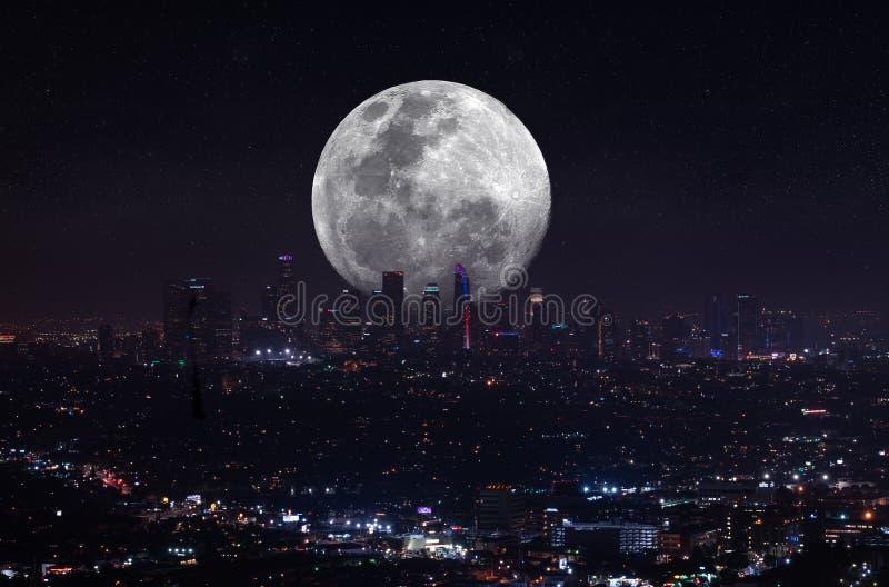 Opinión aérea de la noche granangular estupenda hermosa de Los Angeles imagen de archivo libre de regalías