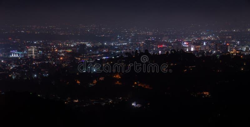 Opinión aérea de la noche granangular estupenda hermosa de Los Angeles imagenes de archivo