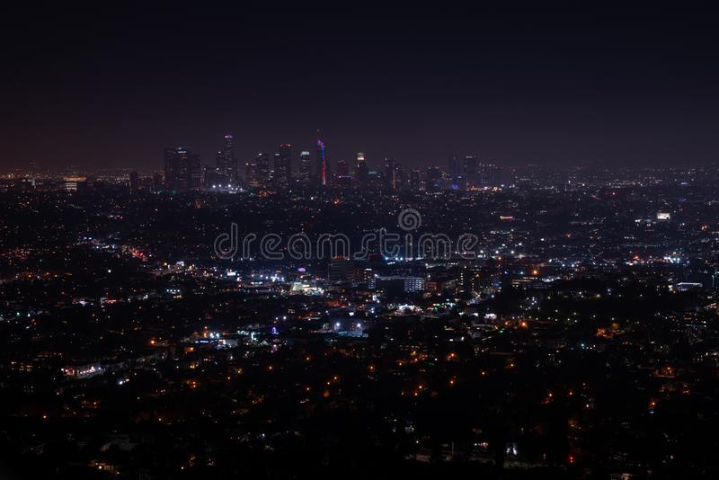 Opinión aérea de la noche granangular estupenda hermosa de Los Angeles fotos de archivo