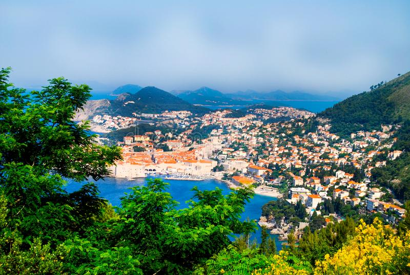 Opinión aérea de la UNESCO del castillo viejo de la ciudad de Dubrovnik fotos de archivo libres de regalías