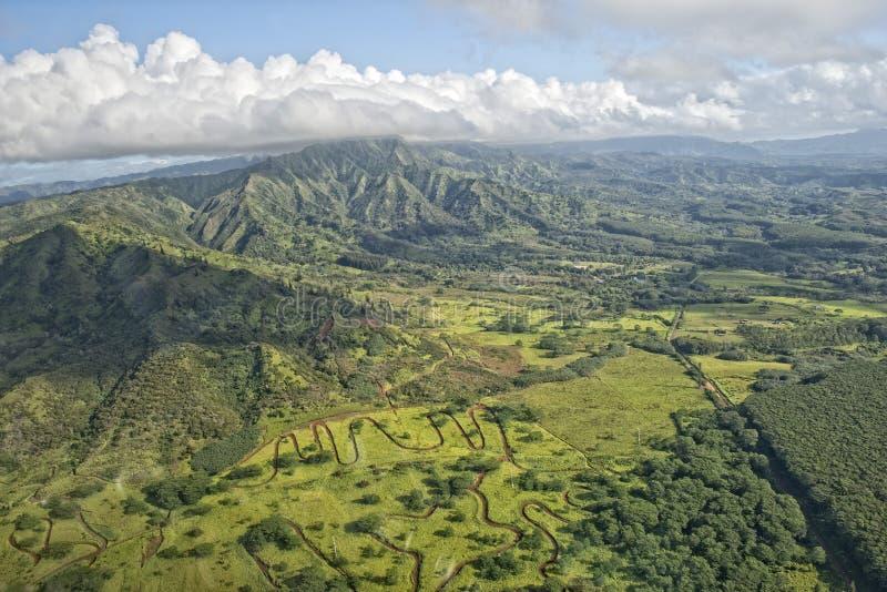 Opinión aérea de las montañas de la isla de Kauai Hawaii fotos de archivo libres de regalías