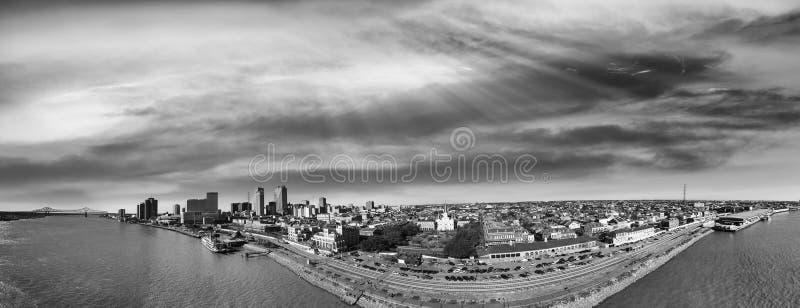 Opinión aérea de New Orleans en blanco y negro, Luisiana - los E.E.U.U. imagen de archivo