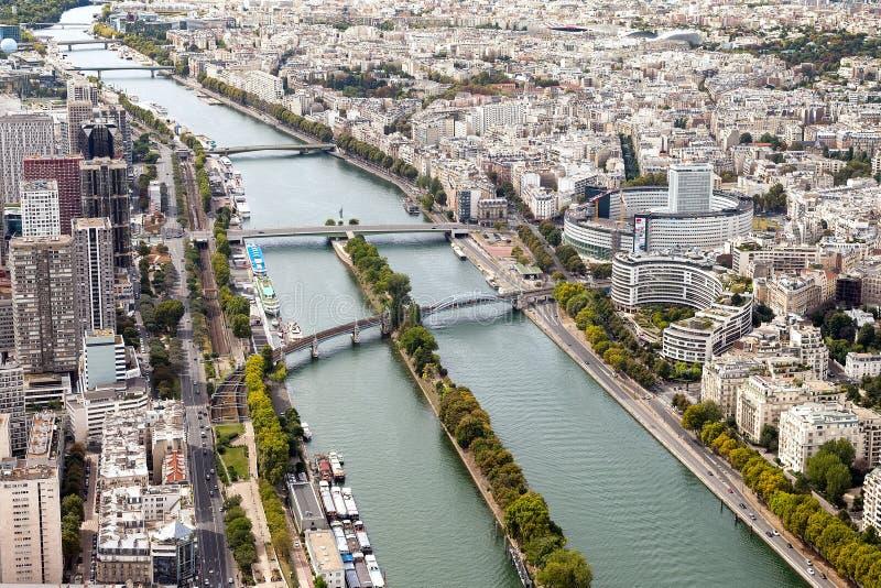 Opinión aérea de París fotos de archivo