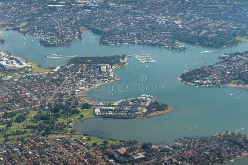 Opinión aérea de Sydney con la concordia, Cabarita, Galdsville, suburbios de Tennyson Point foto de archivo