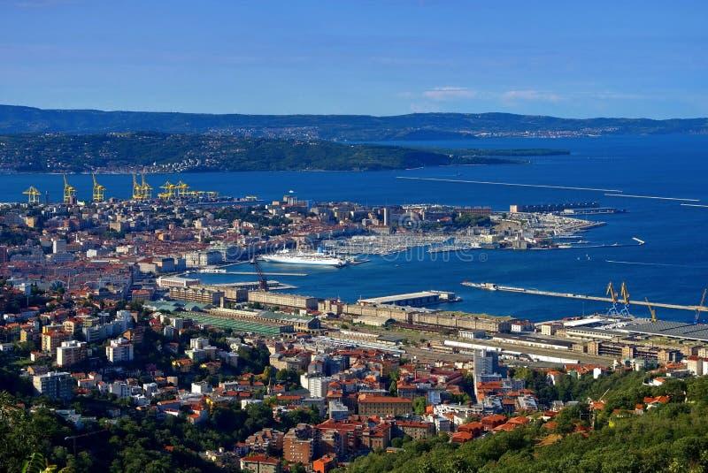 Opinión aérea de Trieste foto de archivo