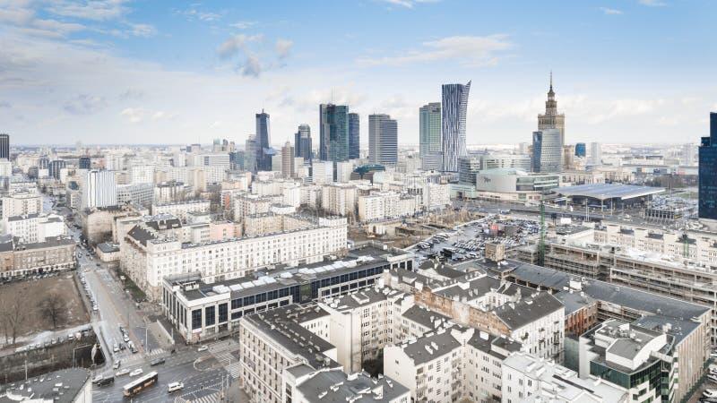 Opinión aérea del abejón desde arriba del horizonte del centro de ciudad foto de archivo libre de regalías