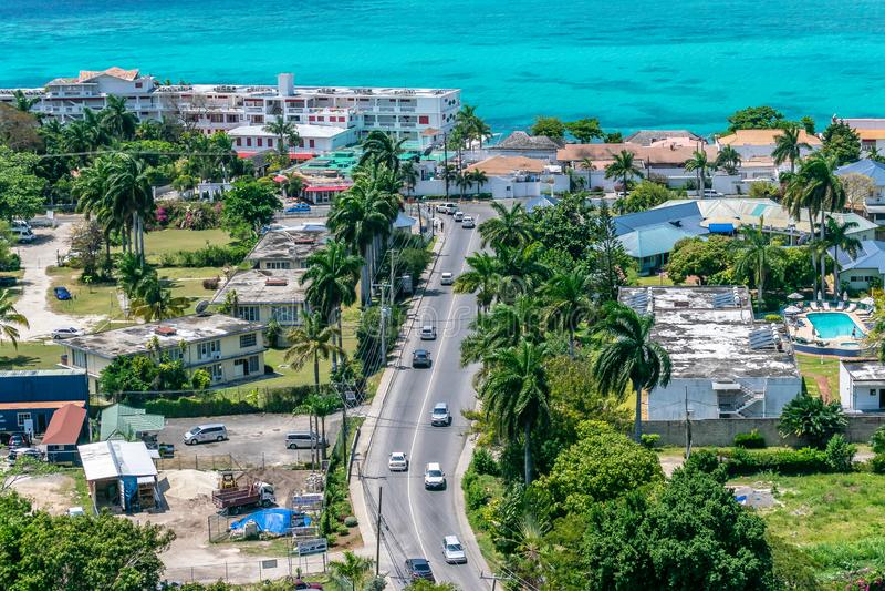 Opinión aérea/del abejón en Montego Bay Jamaica fotografía de archivo