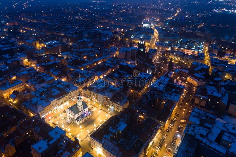 Opinión aérea del abejón sobre la viejas ciudad y plaza principal de Gliwice imagenes de archivo