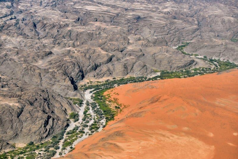 Opinión aérea del barranco de Kuiseb, Namibia, África fotografía de archivo