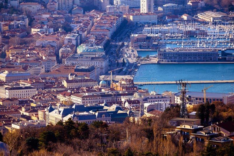 Opinión aérea del centro de ciudad de Trieste foto de archivo libre de regalías
