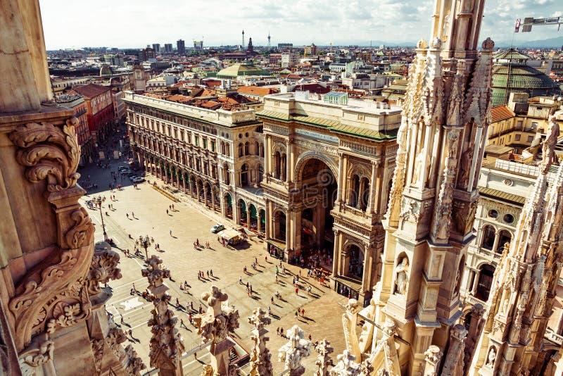Opinión aérea del cuadrado de ciudad de Milano fotos de archivo libres de regalías
