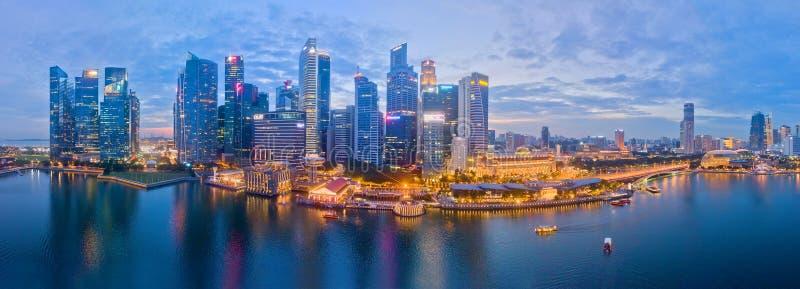 Opinión aérea del distrito financiero de Singapur foto de archivo