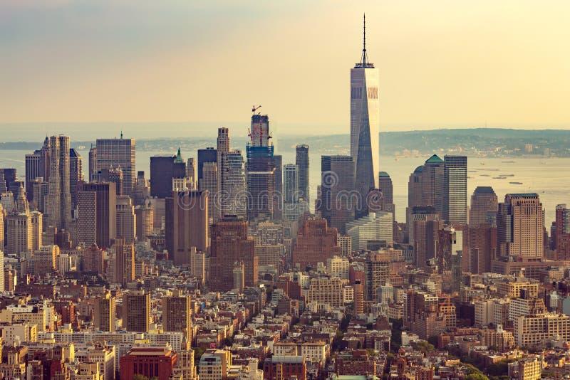 Opinión aérea del horizonte de New York City Manhattan fotografía de archivo libre de regalías