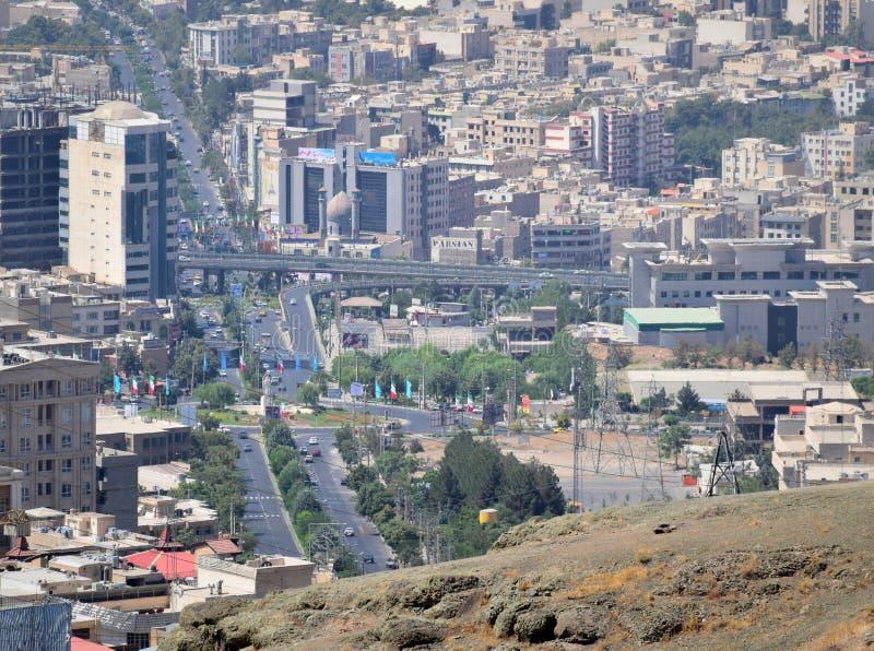 Opinión aérea del horizonte urbano iraní de la ciudad de Karaj fotos de archivo