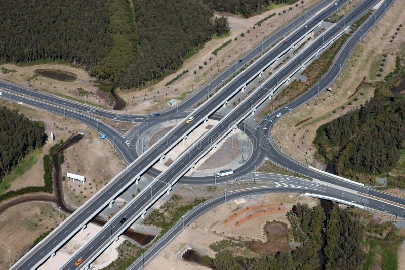 Opinión aérea del intercambio de la ensambladura de la carretera imagen de archivo