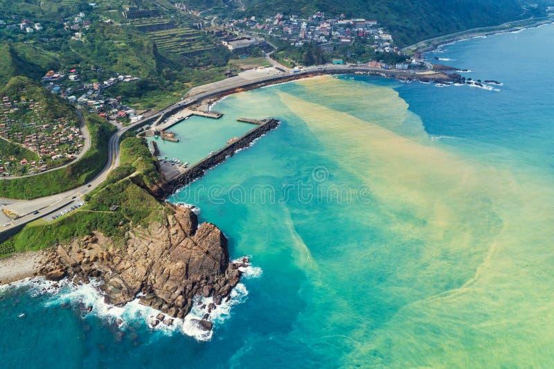 Opinión aérea del mar de Yinyang - los destinos famosos del viaje de Taiwán, los bird's panorámicos observan la visión fotos de archivo