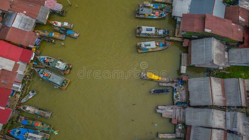 Opinión aérea del paisaje hermoso del pueblo de los pescadores en Kuala Spetang Malaysia imagen de archivo libre de regalías