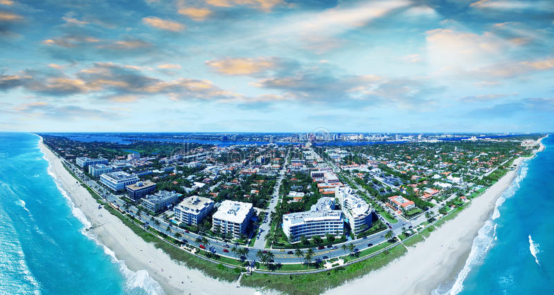 Opinión aérea del Palm Beach, costa maravillosa de la Florida fotos de archivo