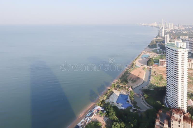 Opinión aérea del panorama hermoso de la playa de Pattaya, Tailandia foto de archivo