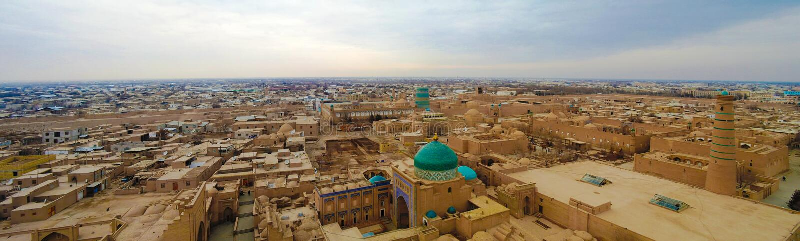 Opinión aérea del panorama a la ciudad vieja de Khiva, Uzbekistán fotos de archivo
