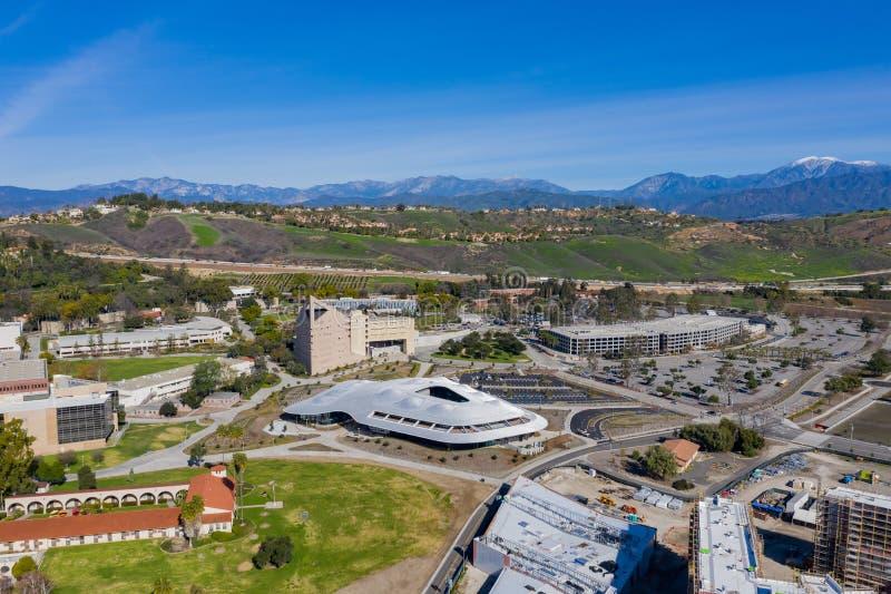 Opinión aérea el estudiante Services Building del campus de Cal Poly Pomona fotografía de archivo libre de regalías