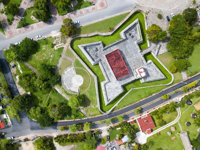 Opinión aérea Fortress de San Felipe Bacalar y alrededores imagenes de archivo