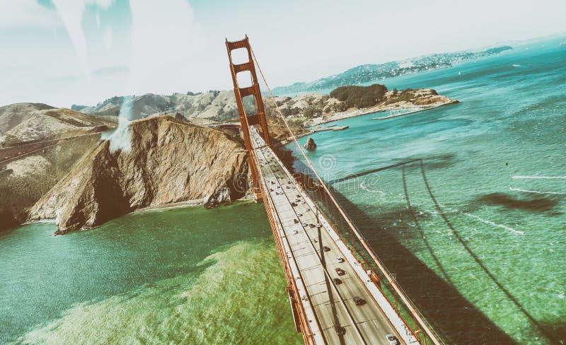 Opinión aérea hermosa San Francisco Golden Gate Bridge y ci fotos de archivo libres de regalías