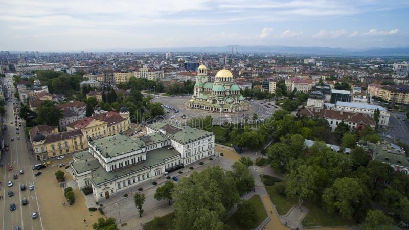 Opinión aérea la catedral y el parlamento, Sofía, Bulgaria del St Alexander Nevsky fotografía de archivo