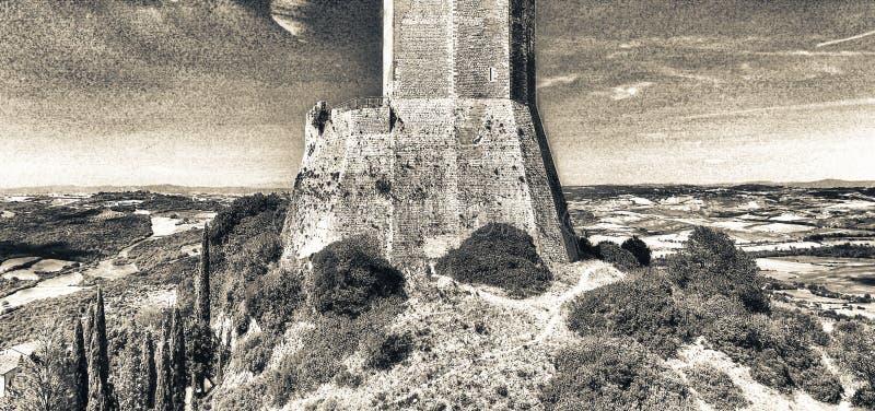 Opinión aérea maravillosa Rocca di Castiglione, Val D'Orcia - Tus fotografía de archivo libre de regalías
