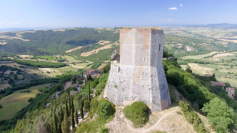 Opinión aérea maravillosa Rocca di Castiglione, Val D'Orcia - Tus imagen de archivo