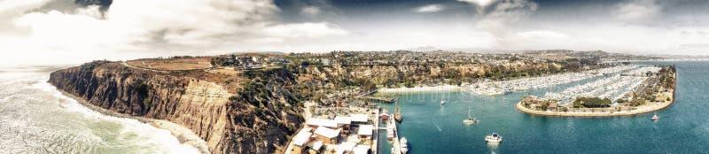 Opinión aérea panorámica asombrosa Dana Point, California imagen de archivo libre de regalías