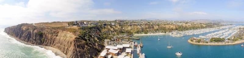 Opinión aérea panorámica asombrosa Dana Point, California fotos de archivo libres de regalías