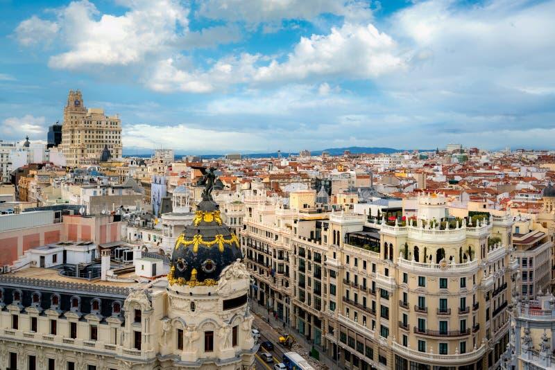 Opinión aérea panorámica de Madrid de Gran Via, calle que hace compras principal en Madrid, capital de España, Europa imagen de archivo libre de regalías