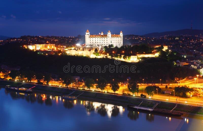Opinión aérea sobre el castillo de Bratislava fotografía de archivo libre de regalías