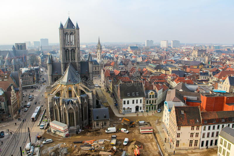 Opinión aérea sobre el centro de Gante, Flandes, Bélgica fotos de archivo