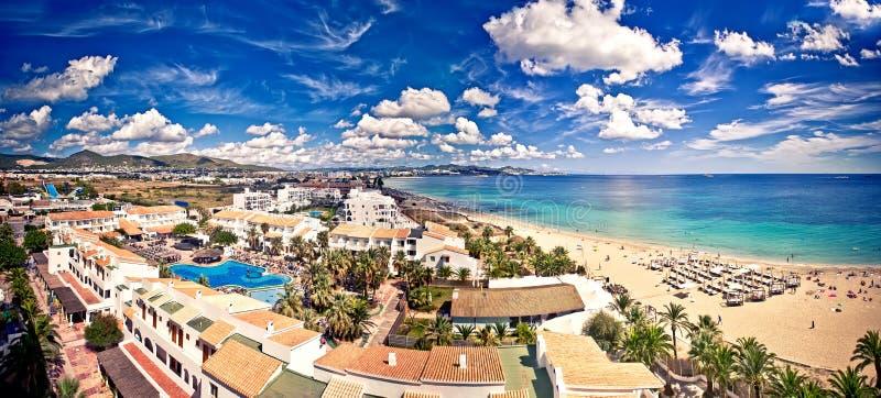 Opinión aérea sobre la playa de Ibiza imagen de archivo libre de regalías