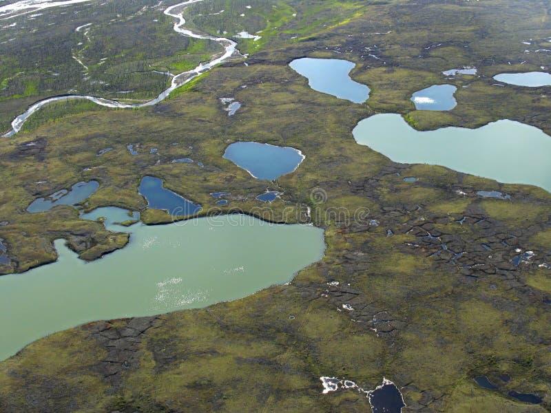 Opinión aérea sobre paisaje de la tundra foto de archivo libre de regalías