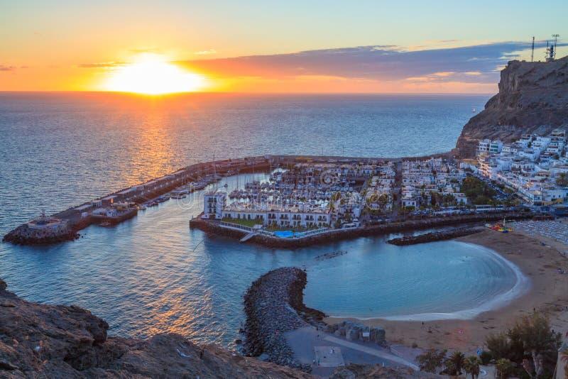 Opinión aérea sobre Puerto de Mogan en la isla de Gran Canaria imagenes de archivo