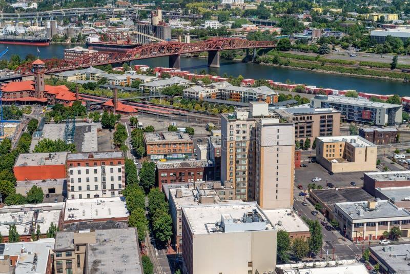 Opinión aérea sobre un día de verano, Portland de la ciudad - O imágenes de archivo libres de regalías