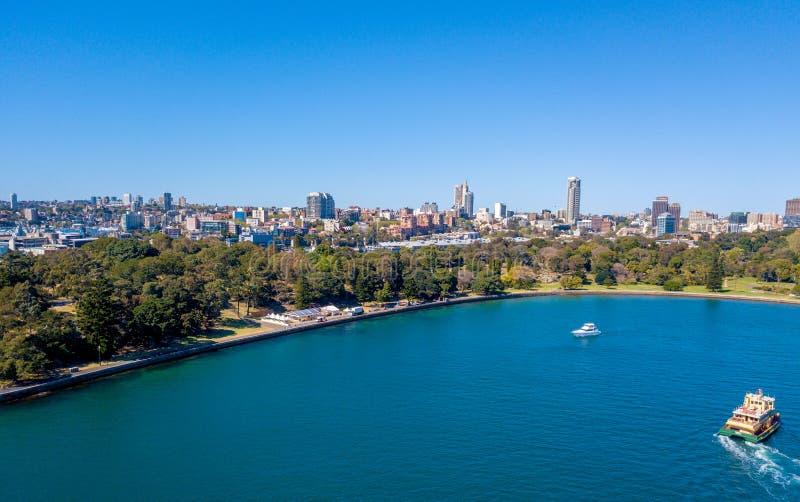 Opinión aérea Sydney City Harbour fotografía de archivo libre de regalías