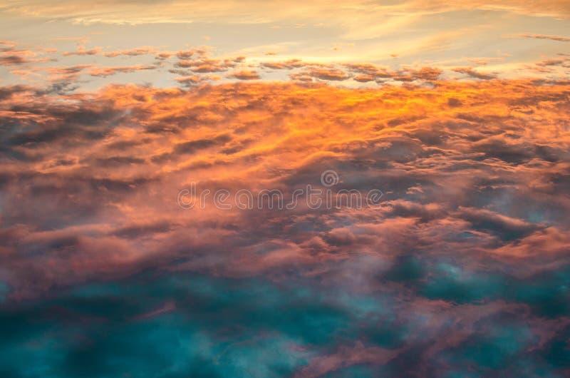 Opinión abstracta del cielo en puesta del sol foto de archivo